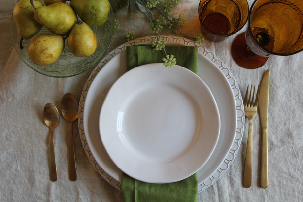 A fresh table setting for your St. Patrick's dinner and beyond!