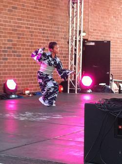 2011-10-15 dance with yoke and Junko darlingharbour japan festival, 2011, fuji musume and hahusen 02