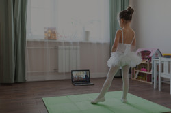 Pretty%20young%20ballerina%20practicing%
