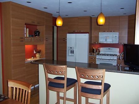 Contemporary Kitche with horizontal wood grain cabinets