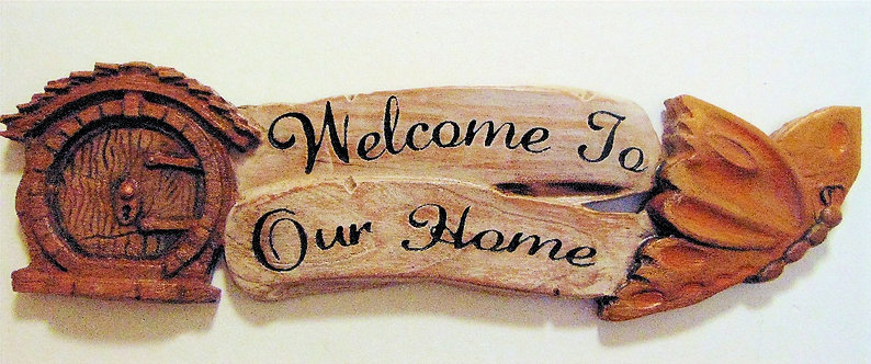 Hobbit door welcome to our home with butterfly (CAN BE CUSTOMIZED))