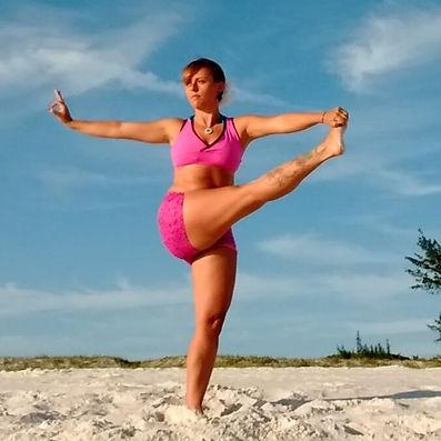 Yoga  asana - Elaine Lilli