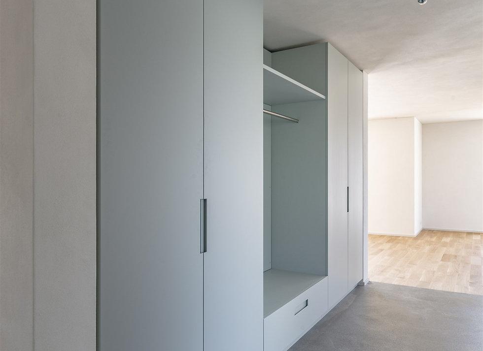 Garderobe%202_Fl%C3%BChlistrasse_innen%2