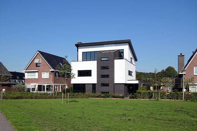 2280-noordwijkerhout-01_edited.jpg