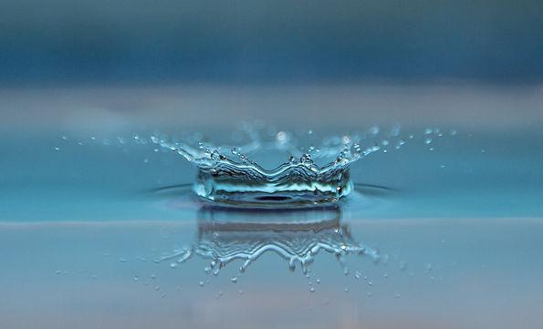 drop-of-water-545377_1920.jpg