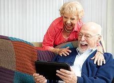 personne agee telephone.jpg