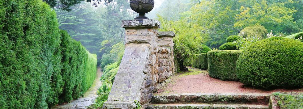 milton-park-garden-walk