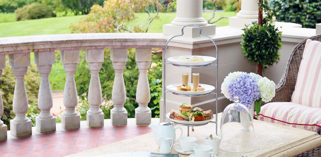 milton-park-hightea-on-terrace