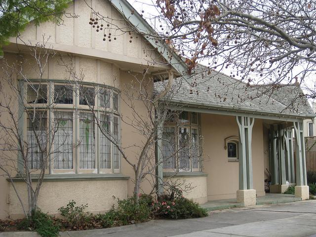 A Large Art Nouveau Villa - Moonee Ponds
