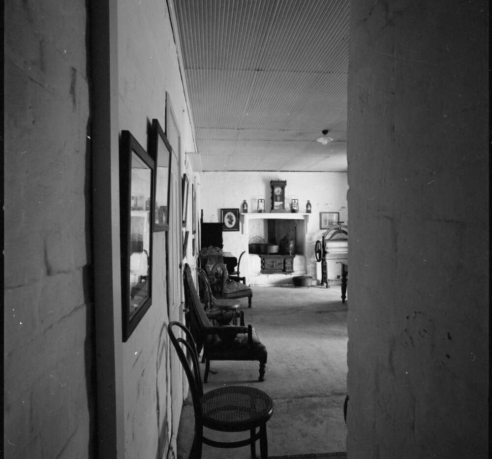 Interior corridor to kitchen of original