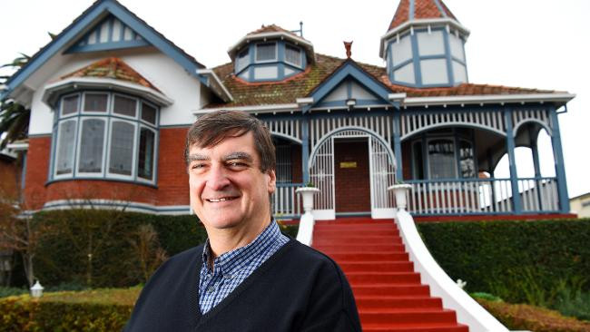 Don Taig selling his house in Northcote