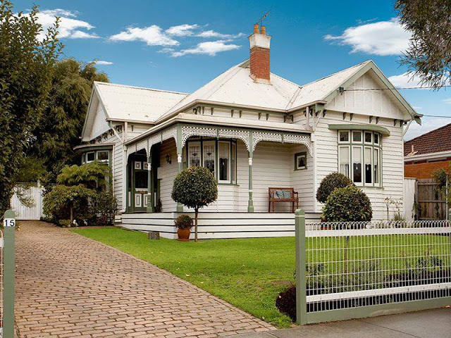 "Colac house in Edwardian style ""Light and Airy"""
