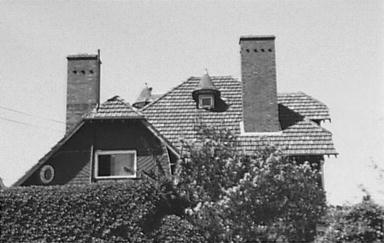 Roof details of Hollowforth, 146 Kurraba