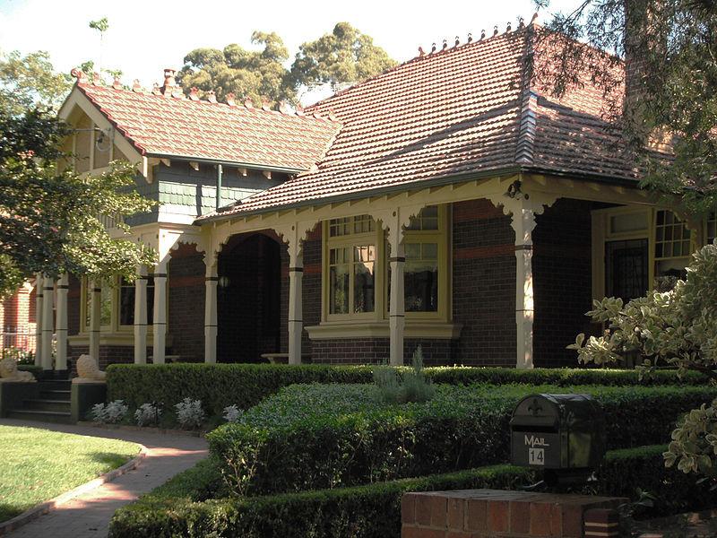 'Casa Tesso' 14 Appian Way Burwood