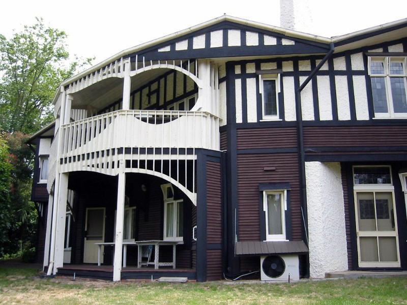 Desbrowe Annear House