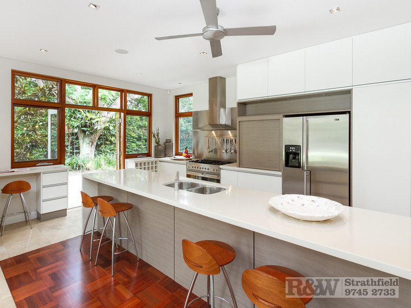 4 APPIAN WAY Burwood image4.jpg