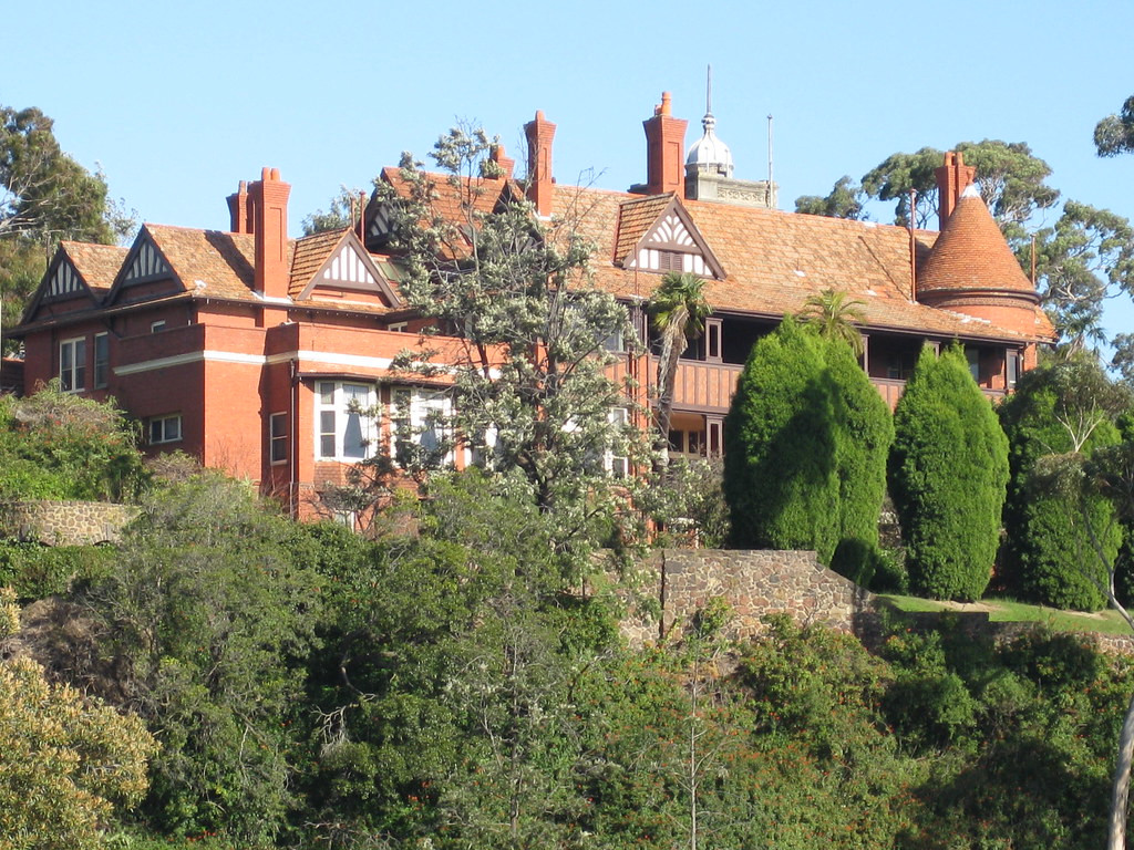 Edzell Queen Anne Style Mansion - Toorak