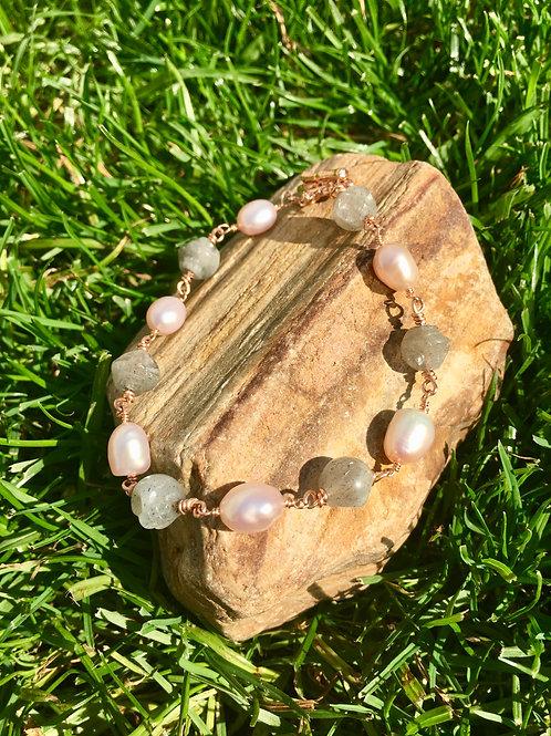 Labradorite Link Bracelet with Pearls