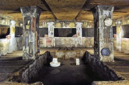 La famiglia dei Matunas vi invita nella sua casa-tomba. La Tomba dei Rilievi della Banditaccia