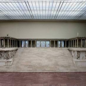 Il fregio di Telefo dell'Altare di Pergamo. La grandezza di Pergamo e la sua discendenza divina