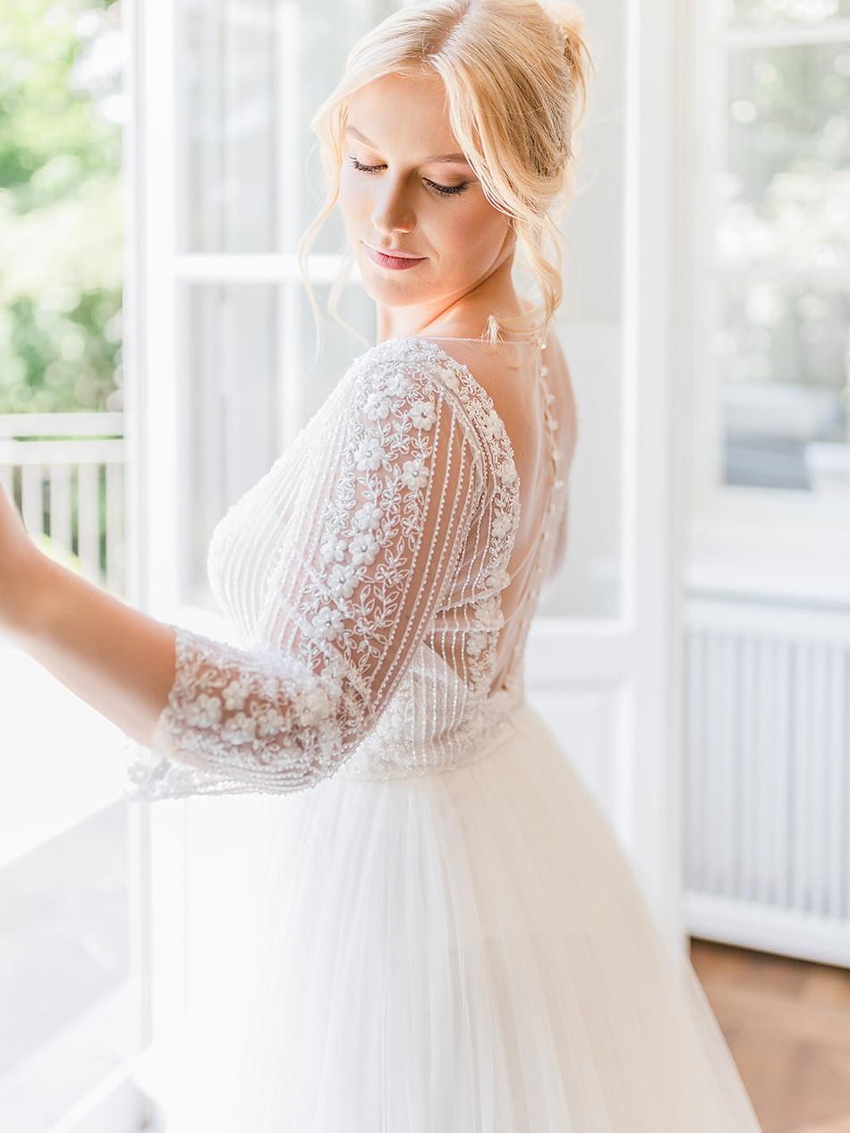 Fine Art Hochzeit Kleid 4.jpg