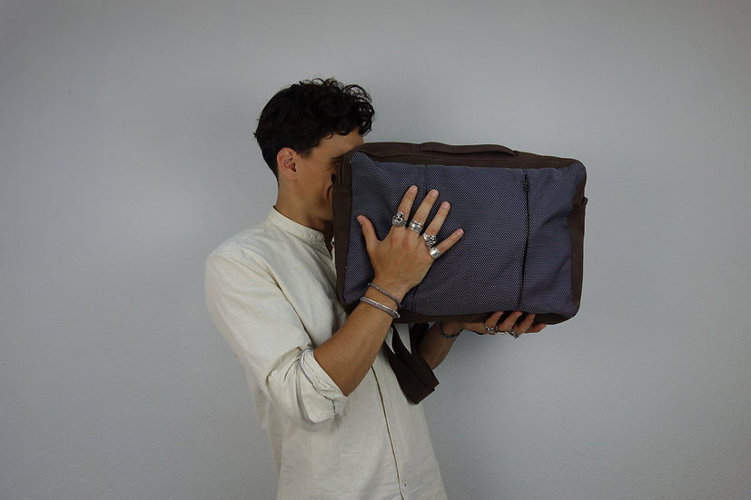 compactbag *reclaimed leather & fabric*