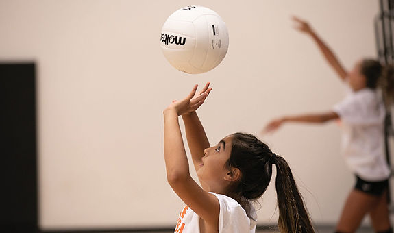 one-man-volleyball-drill-at-home_181205_