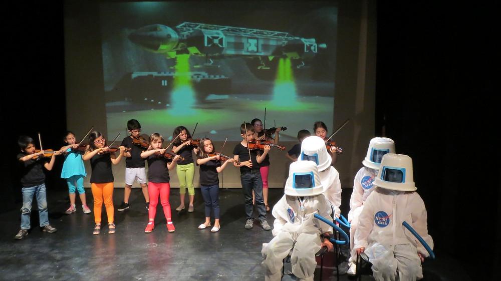 Astronautas e MiniViolinos