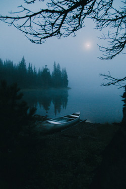 Canoe-Glacier-national-park-Montana-Moon-Mist-Sunrise-adventure-photographer-landscape-photographer