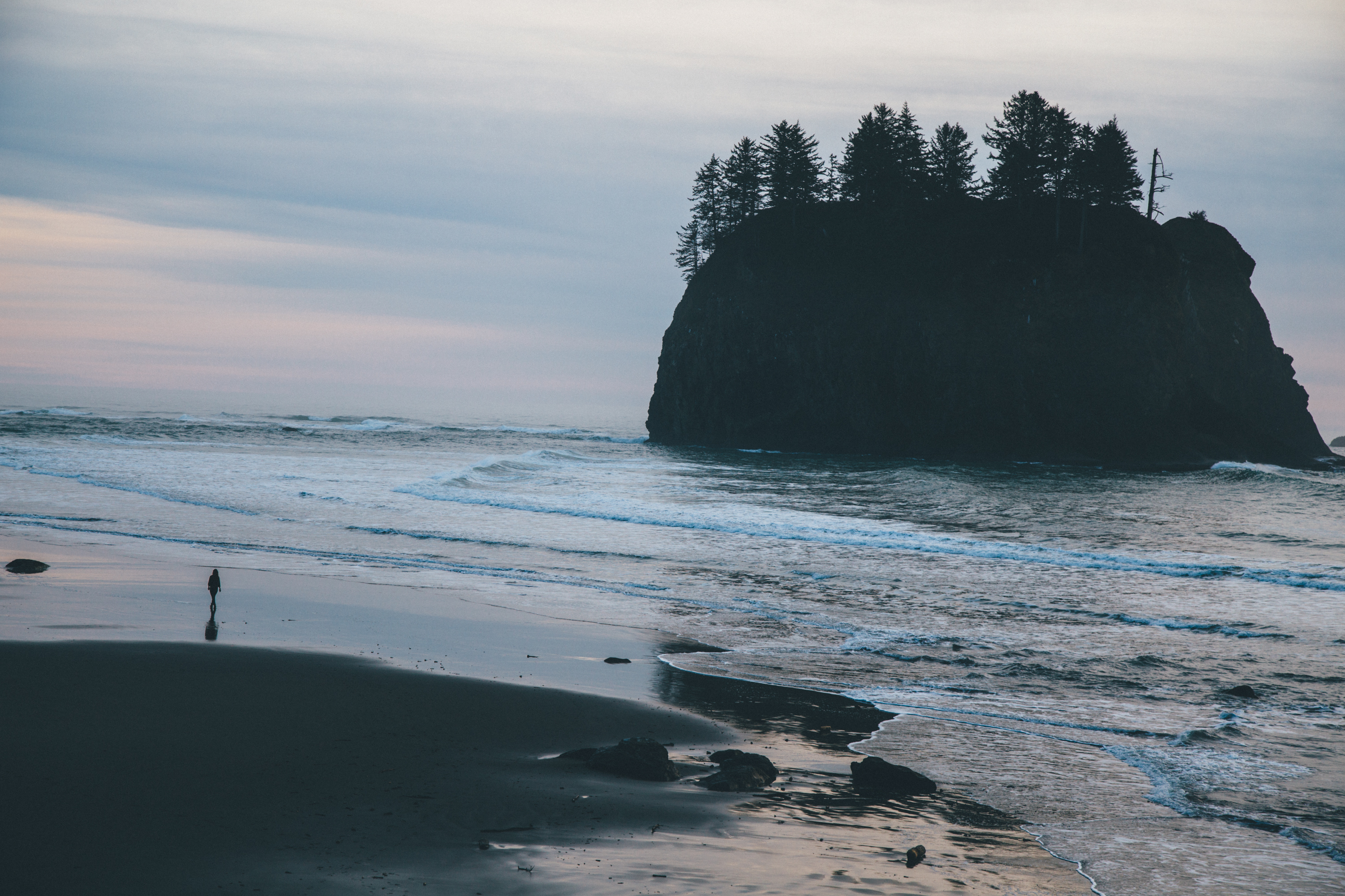 Beach-second-beach-olympic-national-park-washington-sunset-waves