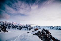 Denali-Sunrise-Mountain-house-travel-adventure