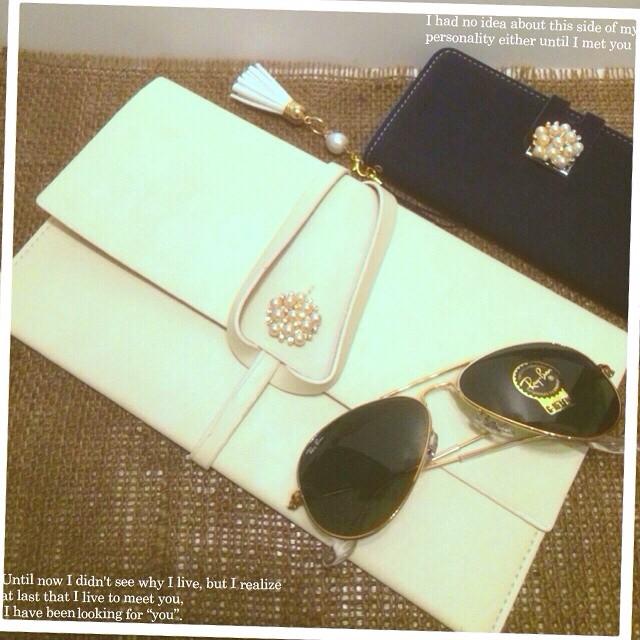 Instagram - pajour set up!! Rayban aviator ,pajour soft lether case, pajour enve