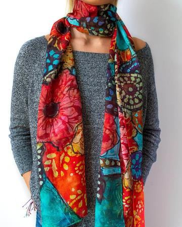 Floral-Still-Life-Scarf-Model-Long_dcff6