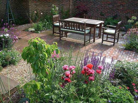 Courtyard Garden Bedfordshire