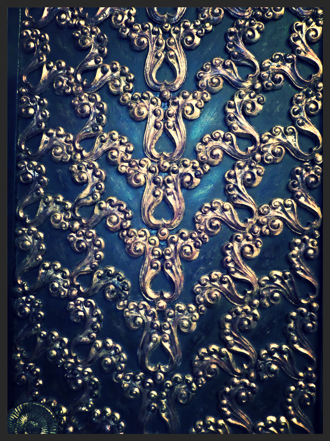 Exquisite Hand Carved Screen Detail