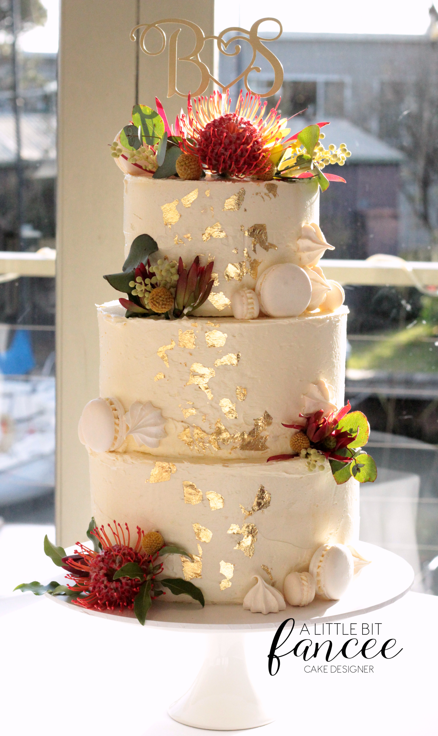 Rustic buttercream and native floral
