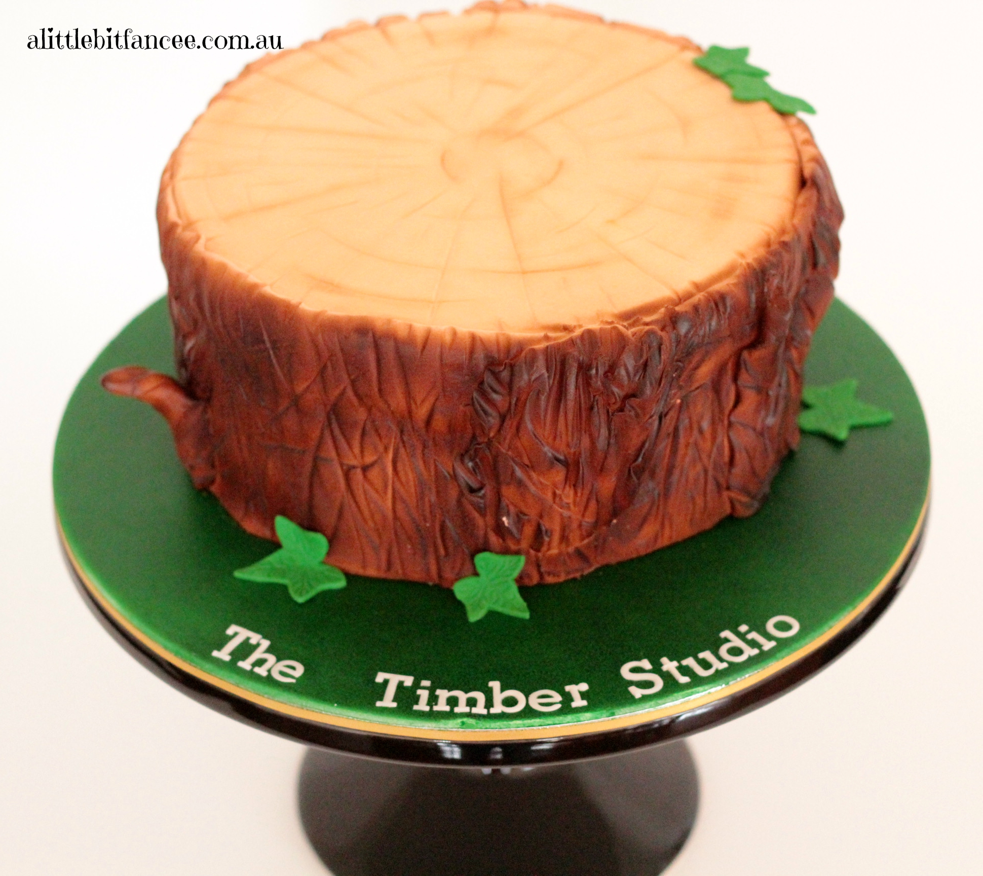 Tree trunk / stump cake