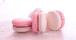 Toasted marshmallow macarons