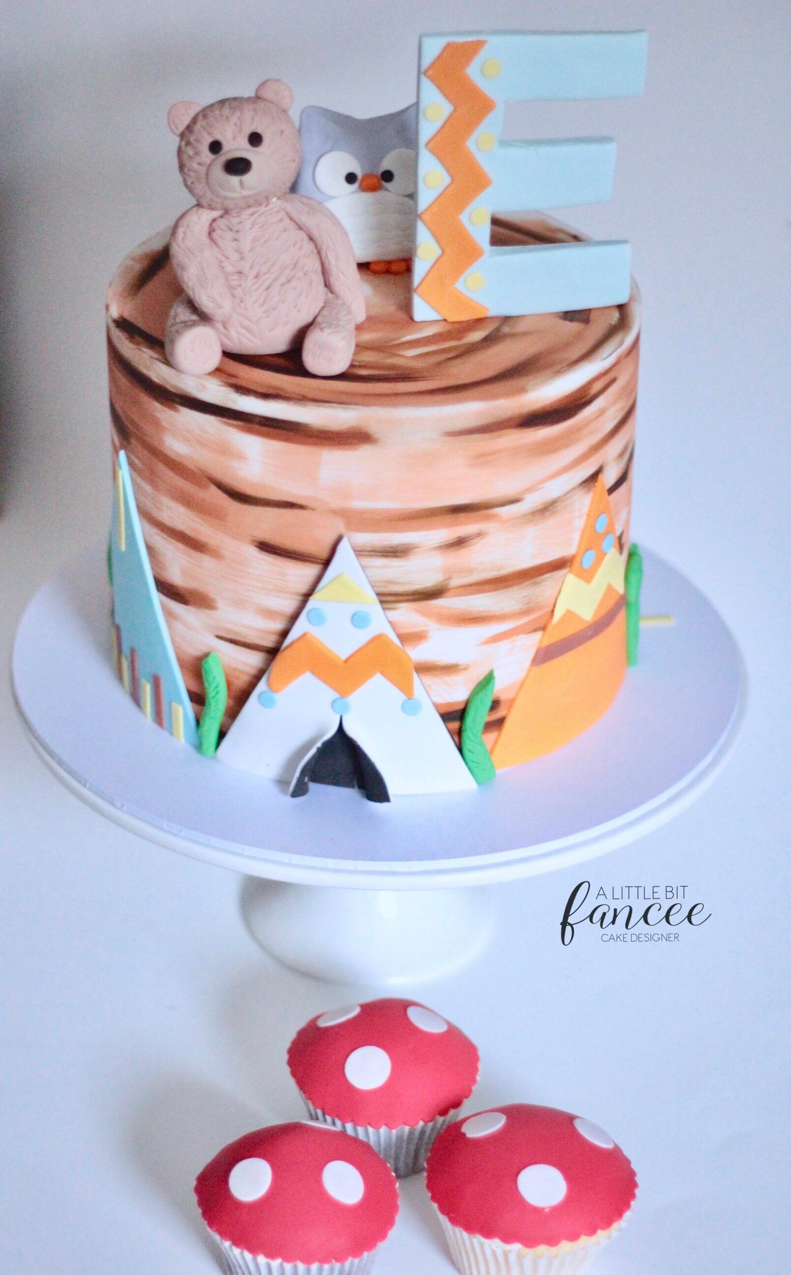 Woodland theme cake