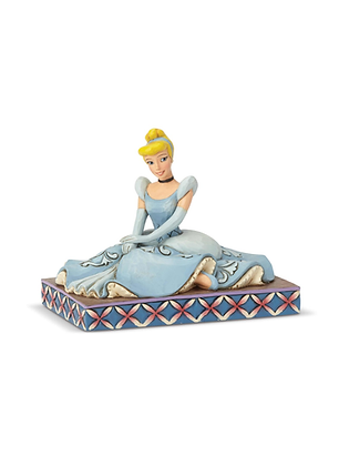 Cinderella Personality Pose