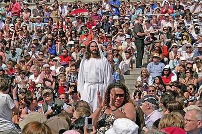 Jesus in Crowd.jpg