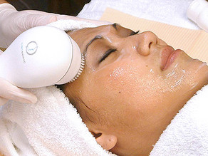 Book yourself a relaxing, beautifying facial! Click on the green button!