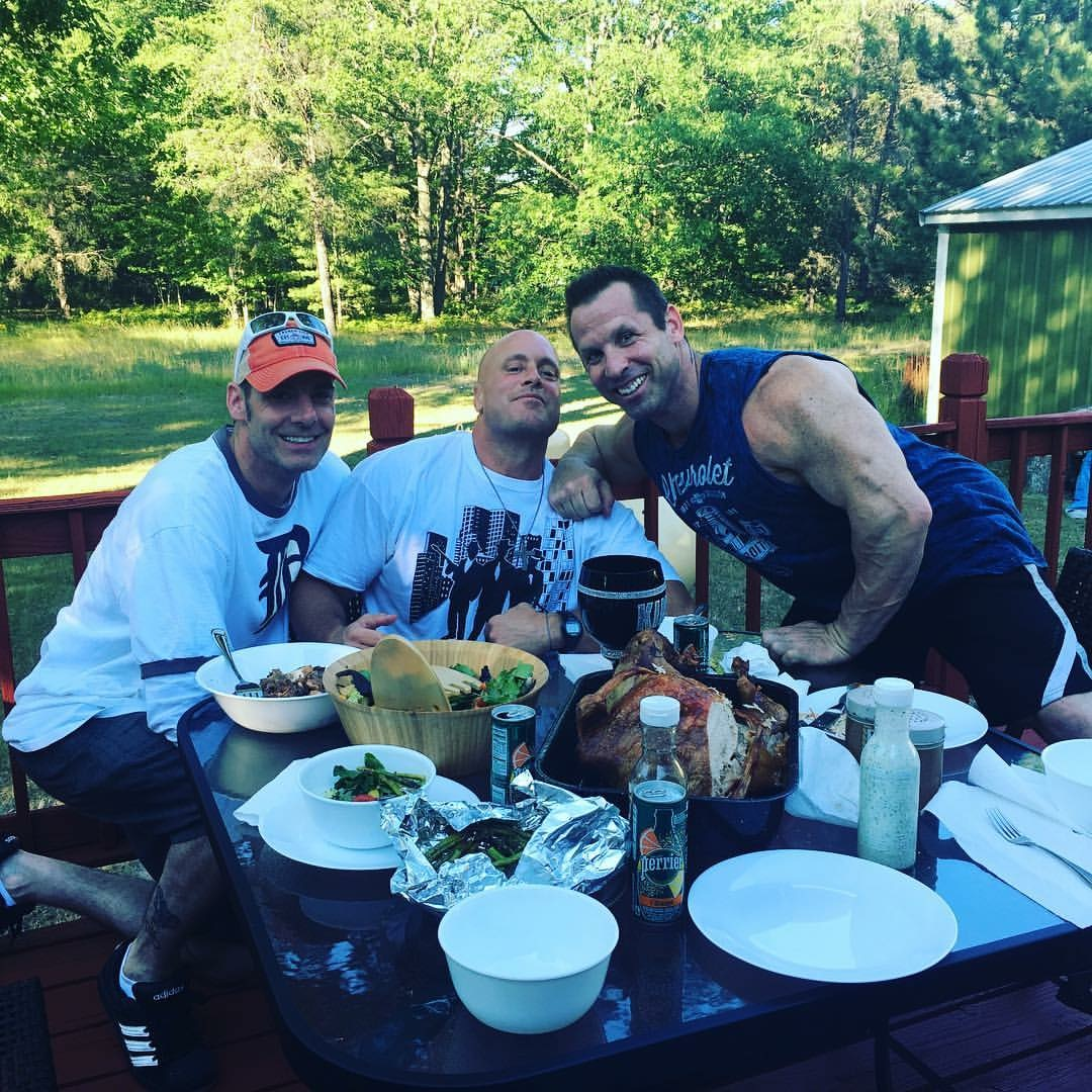 Gunners first dinner outside of prison with Billy Usher and Joe Rubino