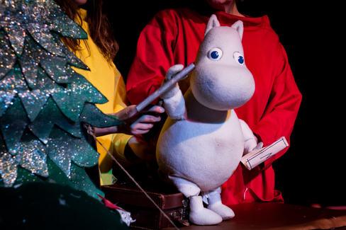 stage lit-puppet detail-5.jpg