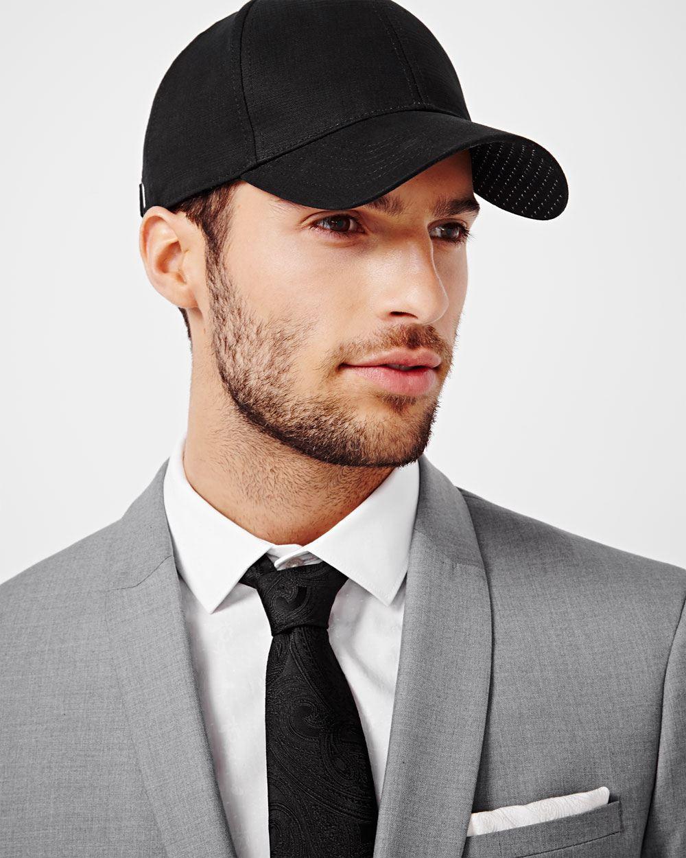 Como ponerse una gorra con estilo