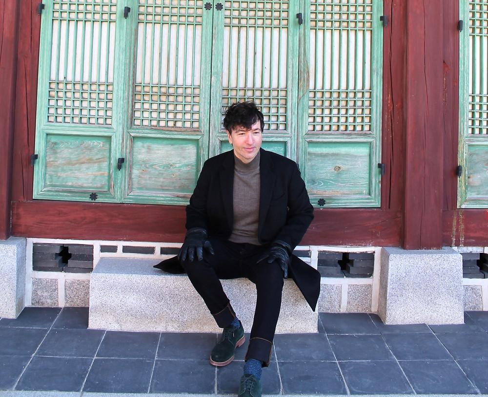 Todo lo que lleva The Trendy Man en Corea es de Mango