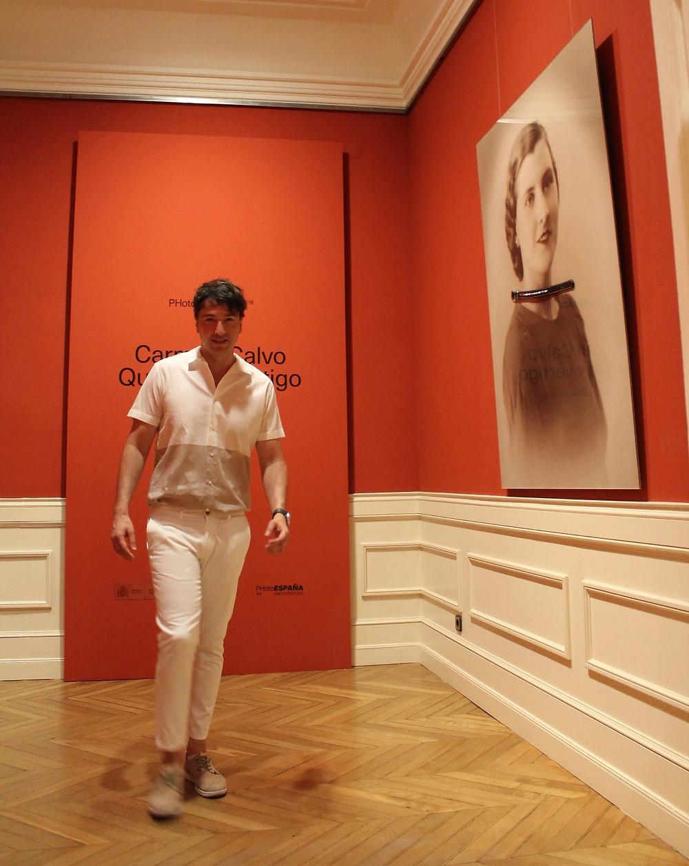 The Trendy Man a la salida del museo Cerralbo tras ver la exposición de Carmen Calvo
