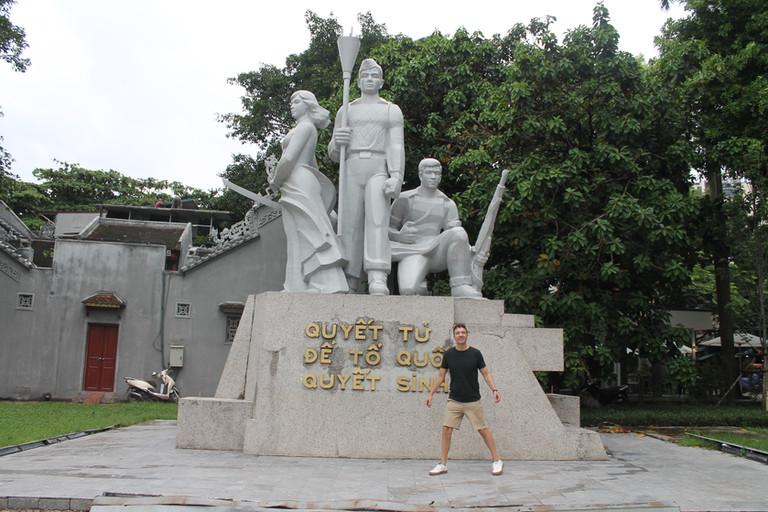 monumento-comunista-the-trendy-man.jpg