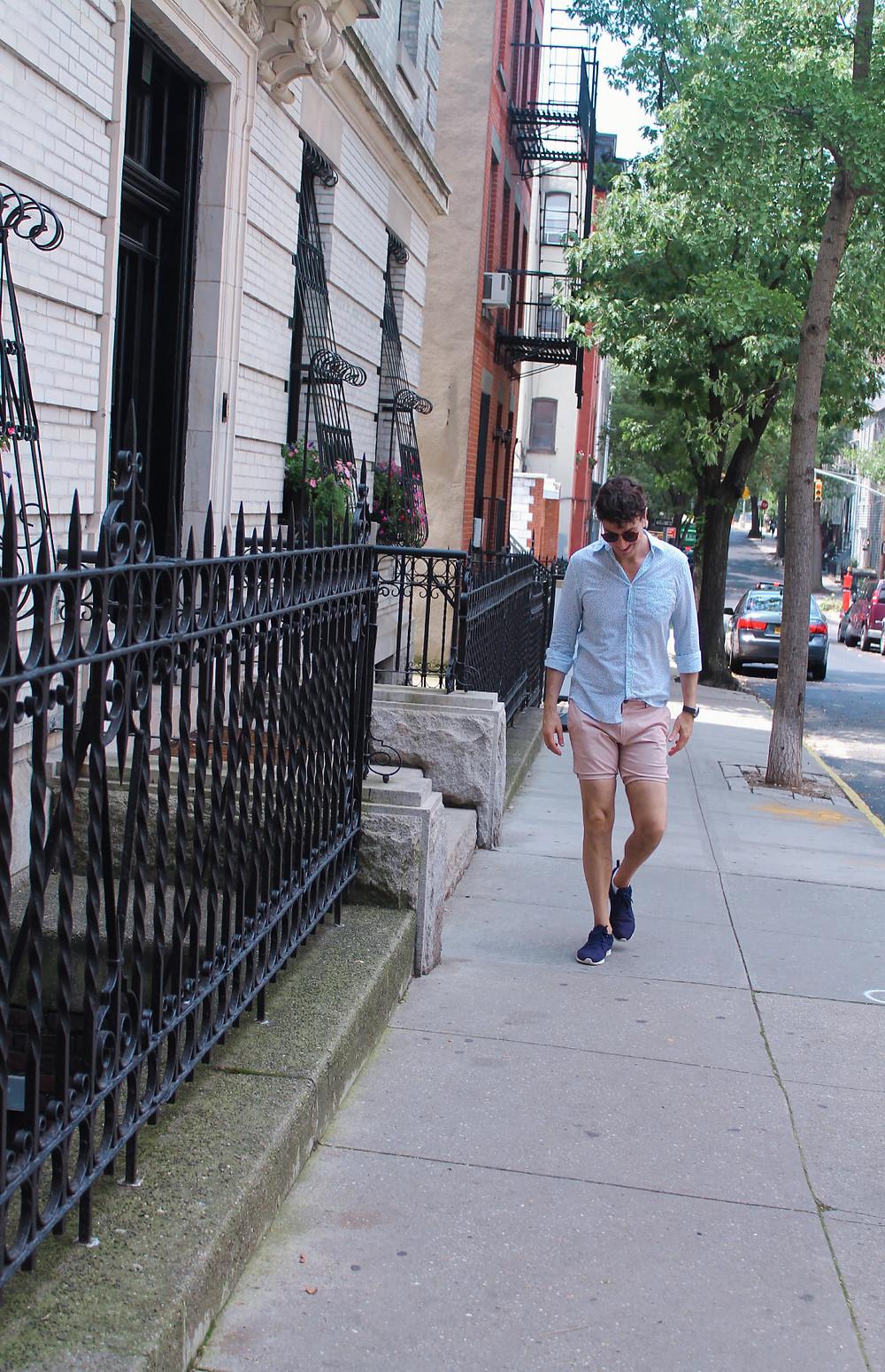 Miguel paseando por Brooklyn