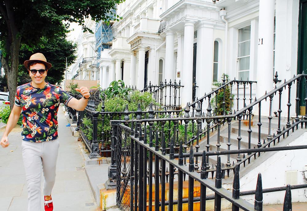 Trendy man en el barrio londinense de Notting Hill